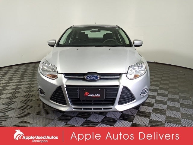 Used 2012 Ford Focus SE with VIN 1FAHP3F24CL122586 for sale in Apple Valley, Minnesota